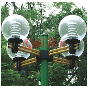Chùm bóng cầu trong D400 lắp trên cột sân vườn Arlequin