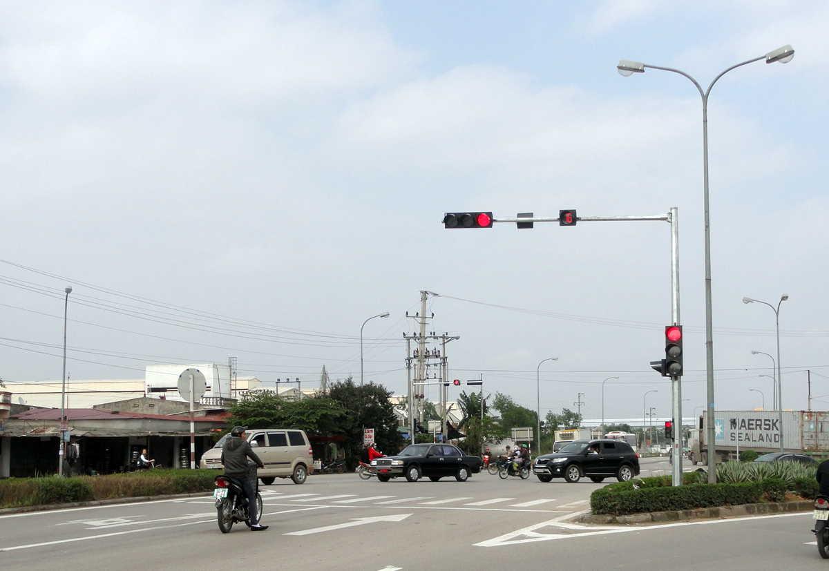 Cột đèn chiếu sáng cột đèn tín hiệu giao thông