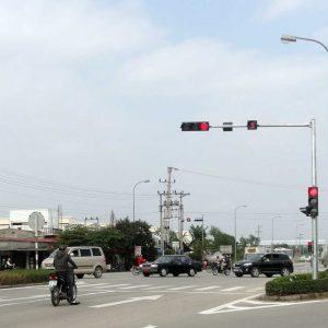 Cột đèn tín hiệu giao thông